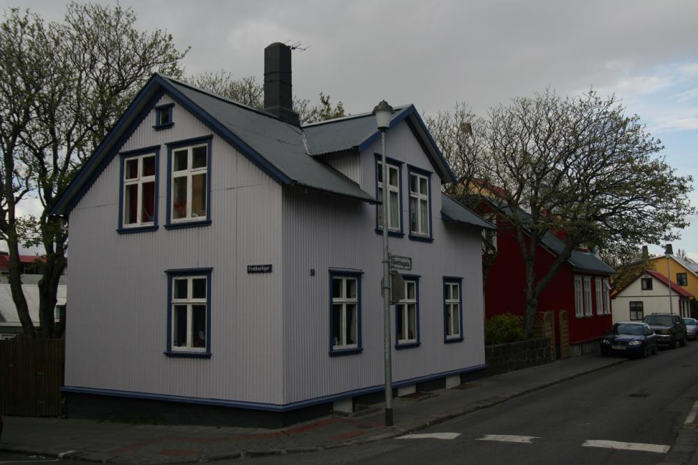 A házakon lemezborítás van, Reykjavik