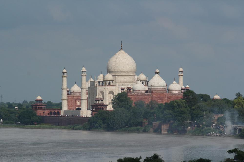 A Taj Hahal a Jamuna folyó partján, Agra
