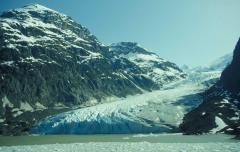 Gleccser, tóba érkező (Part-hegység, Kanada)
