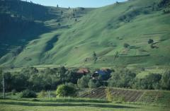 Erdőirtás és csuszamlás (Gyimes, Románia)