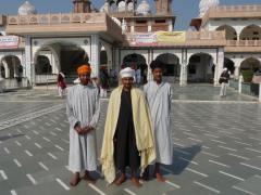 Agra Szikh-templomban hívők