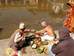 Áldozások (Katmandu, Pashupatinath)