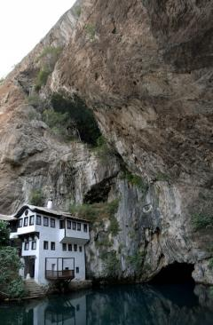 Forrásbarlang (Bosznia)
