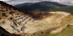 Bányászat, kénbánya (Kelemen-havasok, Románia)