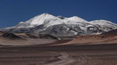 Összefüggő jég hiánya (Ojos del Salado, Andok, Chile-Argentína)