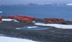 Duzzasztott tó (Antarktika)