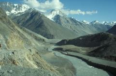 Folyóvízi völgybevágódás (Himalája)