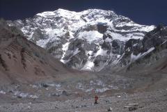 Függőgleccser és eltemetett gleccser (Aconcagua)